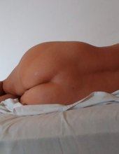 A do postýlky samozřejmě už nahá