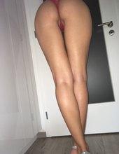 V striptízovom úbore