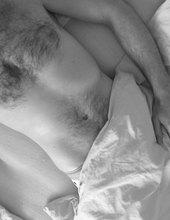 V posteli....