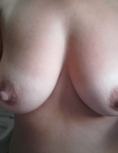 i like to be naked and to be s