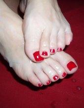 creamy feet