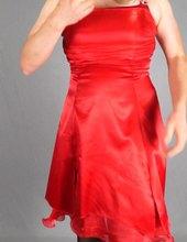 Červené šaty + podvazky pt.2