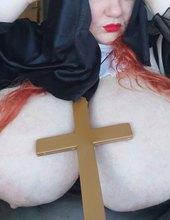 Nemravná mníška