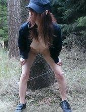 Čubina čůrá v lese