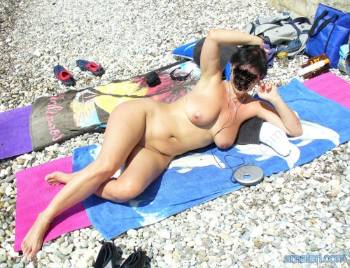 голые дамы на пляже фото