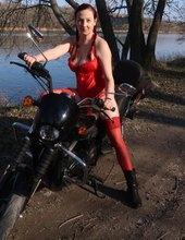 Sexi motorkárka 2