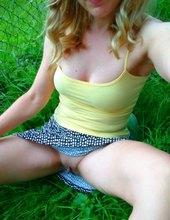 V trávičke