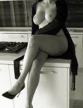 Rozpálená v kuchyni