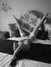 V posteli jako modelka