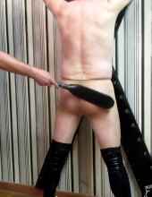slave beating at the cross 03