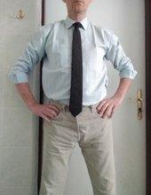 kravata a džíny