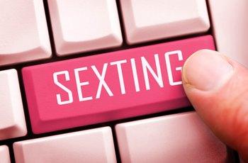 Sexting provozující lidé jsou spokojenější se svým sexuálním životem, ale častěji se hádají