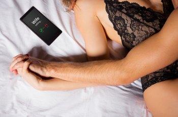 U obou pohlaví je hlavním motivem nevěry sex, ženy ale dvakrát častěji touží také po šimrání v břiše