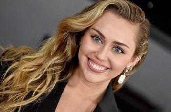 Miley Cyrusová: Miluju, když mě osahávají při letištní kontrole