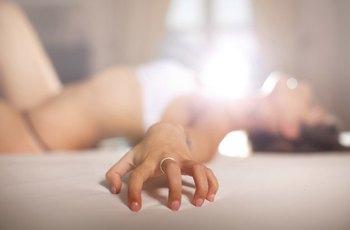 Jen čtvrtina žen dosahuje pravidelně orgasmu. Většinou kvůli neschopnosti se uvolnit