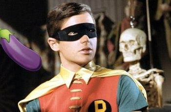 Burt Ward: Televize ABC mi dávala prášky na zmenšení penisu, aby nebyl vidět v kostýmu Robina