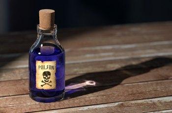 Skotka během sexuálních orgií vypila lahvičku poppers a umřela