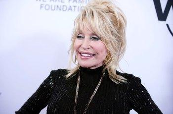 Dolly Partonová nafotí v pětasedmdesáti akty pro Playboy