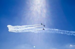 Piloti aerolinek Pobeda namalovali na nebi obří penis. Jako podporu Dzjubovi