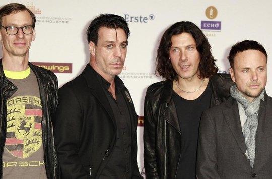 Till Lindemann rozjel sexshop s názvem Doctor Dick