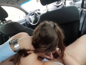 Nechal se kourit v aute